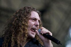 fabio-lione-singing